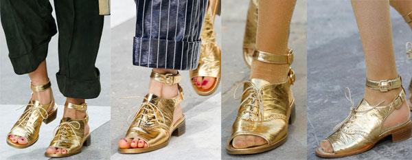 Очень близкие по духу босоножкам Chanel, на неделе моды в Париже были представлены босоножки от дома моды Balenciaga. Пришедший на смену Николя Гескьеру